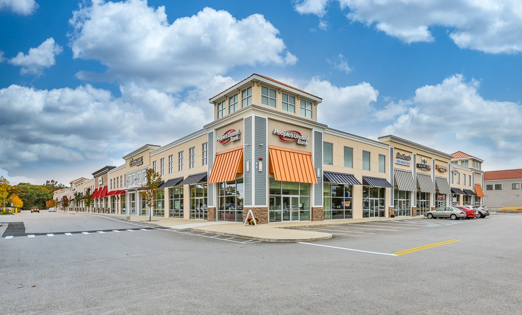 The Shoppes at 655 South Willow Street