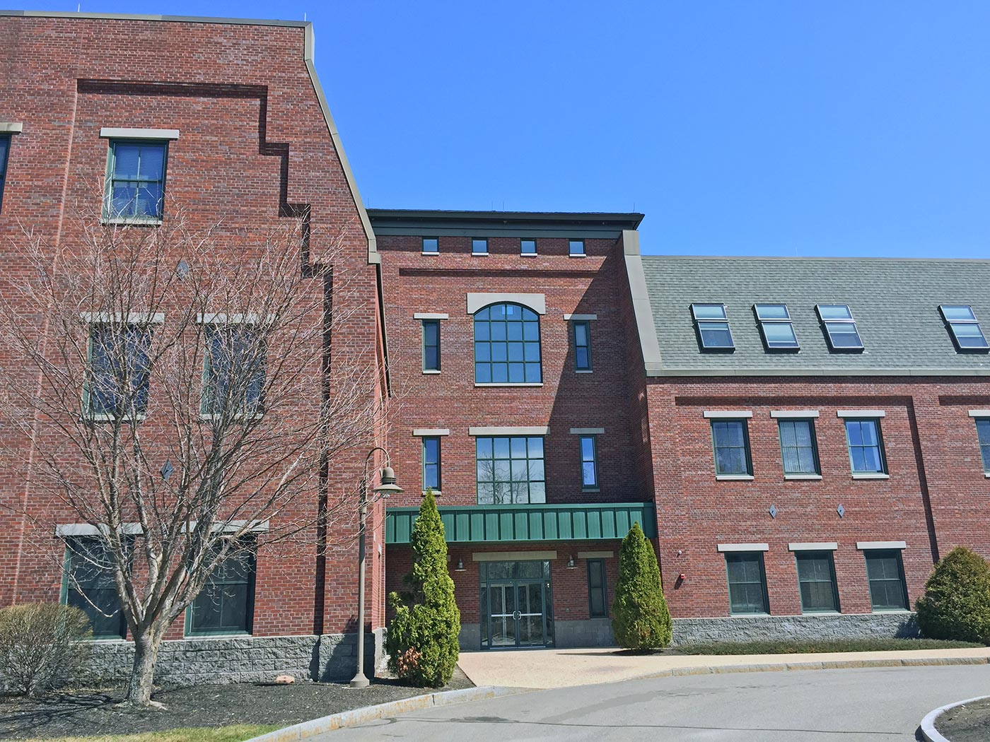 Commercial Insurance Brokers >> 8 Commerce Drive - Bedford, NH   Brady Sullivan Commercial ...