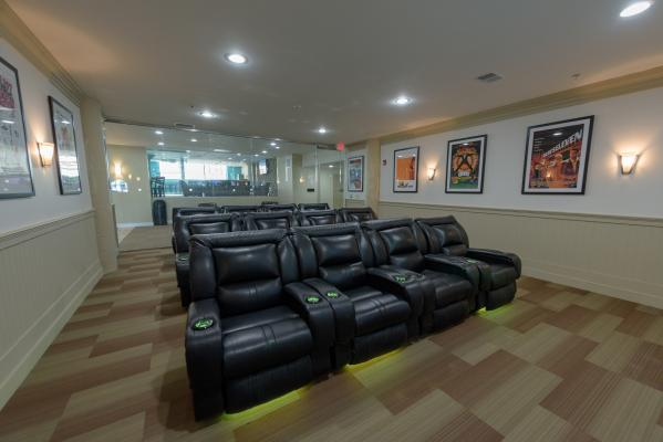 Community theatre room w/big screen TV & cinema-style seating